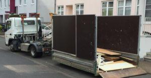 Mini Container LKW für Haus und Wohnungsauflösung in Köln